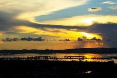 Tramonto del fiume di Mandalay Irrawaddy, Myanmar immagine stock