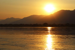 Tramonto del fiume Zambezi Immagine Stock Libera da Diritti
