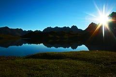 tramonto del lago della montagna Fotografia Stock