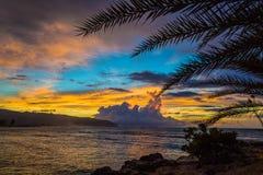 Tramonto del nord delle Hawai della riva Fotografie Stock