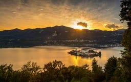 Tramonto dell'isola di San Giulio Fotografia Stock
