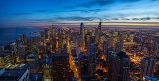 Tramonto dell'orizzonte di Chicago con il lago Michigan Fotografia Stock Libera da Diritti