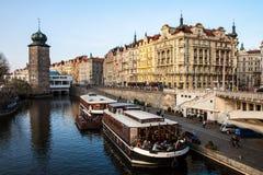 Tramonto della barca di Praga Fotografie Stock