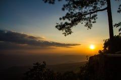 Tramonto della montagna Fotografie Stock Libere da Diritti