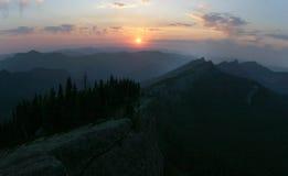 Tramonto della montagna della cascata Fotografia Stock Libera da Diritti