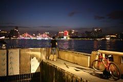 Tramonto della riva del fiume Fotografie Stock Libere da Diritti