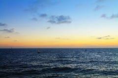 Tramonto della spiaggia con la nuvola ed il cielo Fotografie Stock Libere da Diritti