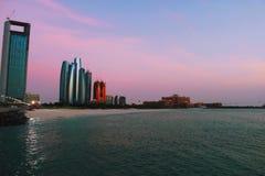 Tramonto della spiaggia di Abu Dhabi immagine stock libera da diritti