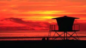 Tramonto della spiaggia di California Bagnino Wooden Tower della spiaggia archivi video
