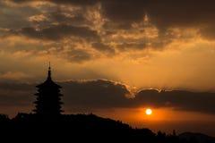 Tramonto della torre di Leifeng Immagine Stock Libera da Diritti