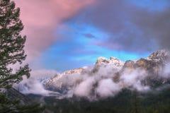 Tramonto della valle del Yosemite Immagine Stock