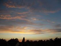 Tramonto delle nuvole dei cieli immagini stock libere da diritti