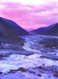 Tramonto di altai del fiume delle montagne Fotografie Stock