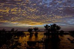 Tramonto di Amazon nel lago Amanã Immagini Stock Libere da Diritti