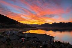 Tramonto di caohai del lago Lugu Fotografia Stock Libera da Diritti