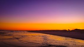 Tramonto di estate della spiaggia dell'oceano immagine stock