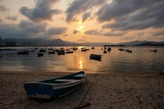 Tramonto di Hong Kong Fishing Port anziano Fotografia Stock