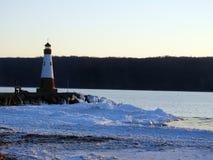 Tramonto di inverno del lago cayuga a Myers Park immagine stock