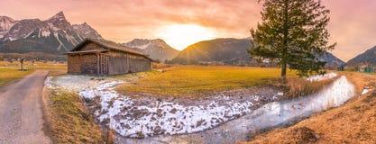 Tramonto di inverno nelle alpi austriache Fotografia Stock