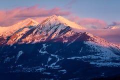 Tramonto di inverno su Autane minuta e grande, Champsaur, alpi, Francia Fotografia Stock Libera da Diritti