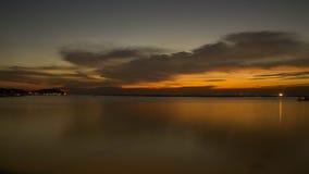 Tramonto di orizzontale di vista sul mare Fotografie Stock