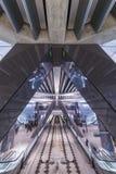 Tramonto di paesaggio urbano della stazione ferroviaria di Amsterdam fotografia stock