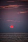 Tramonto di rosso di Bautiful. Isola di Koh Lipe Tropical. La Tailandia. Fotografie Stock Libere da Diritti