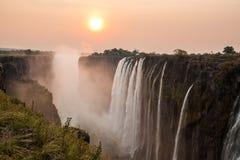 Tramonto di Victoria Falls Fotografie Stock Libere da Diritti