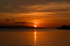 Tramonto dorato di Okinawa fotografie stock