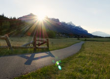 Tramonto dorato sopra Rocky Mountains canadese Fotografia Stock Libera da Diritti