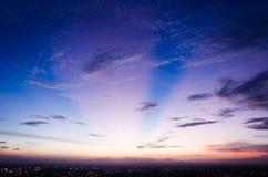 Tramonto e cielo blu Fotografie Stock Libere da Diritti