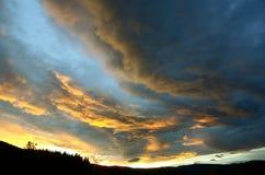 Tramonto e nuvole Immagini Stock Libere da Diritti