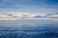 Tramonto ed il mare Immagini Stock