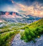 Tramonto fantastico di colori nel parco nazionale Tre Cime di Lavared Fotografie Stock Libere da Diritti