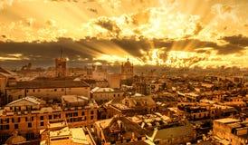 Tramonto a Genova, Italia immagine stock libera da diritti
