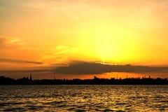 Tramonto il Chao Phraya Fotografia Stock Libera da Diritti