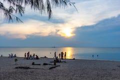 Tramonto Koh Phangan Thailand di Zen Beach fotografie stock