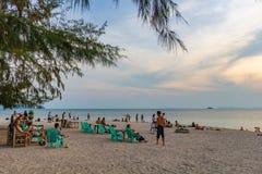 Tramonto Koh Phangan Thailand di Zen Beach fotografia stock libera da diritti