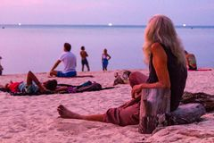 Tramonto Koh Phangan Thailand di Zen Beach immagini stock libere da diritti