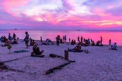 Tramonto Koh Phangan Thailand di Zen Beach immagine stock libera da diritti
