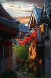 Tramonto Lijiang la vecchia città Immagini Stock