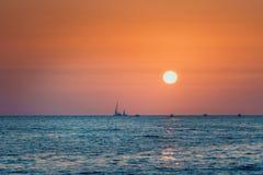 Tramonto luminoso sul mare del fondo del mare Immagini Stock Libere da Diritti