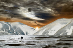 Tramonto magico nella neve Fotografie Stock