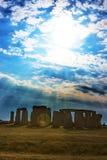 Tramonto magico in Stonehenge nel Wiltshire nel Regno Unito fotografie stock libere da diritti