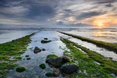Tramonto meraviglioso sulla spiaggia di Magoito Fotografia Stock Libera da Diritti