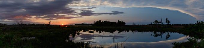 Tramonto a Merritt Island National Wildlife Refuge, Florida fotografie stock libere da diritti