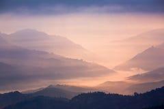 Tramonto in montagne Immagine Stock