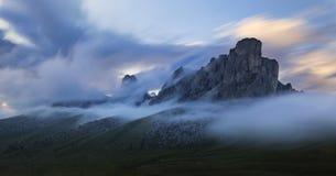 Tramonto in montagne Fotografia Stock