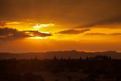 tramonto in myanmar bagan Immagini Stock Libere da Diritti