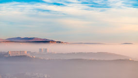 Tramonto nebbioso nella baia di Trieste Immagine Stock Libera da Diritti